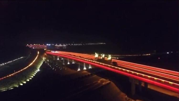 长益高速湘江西互通和记官方网页工程